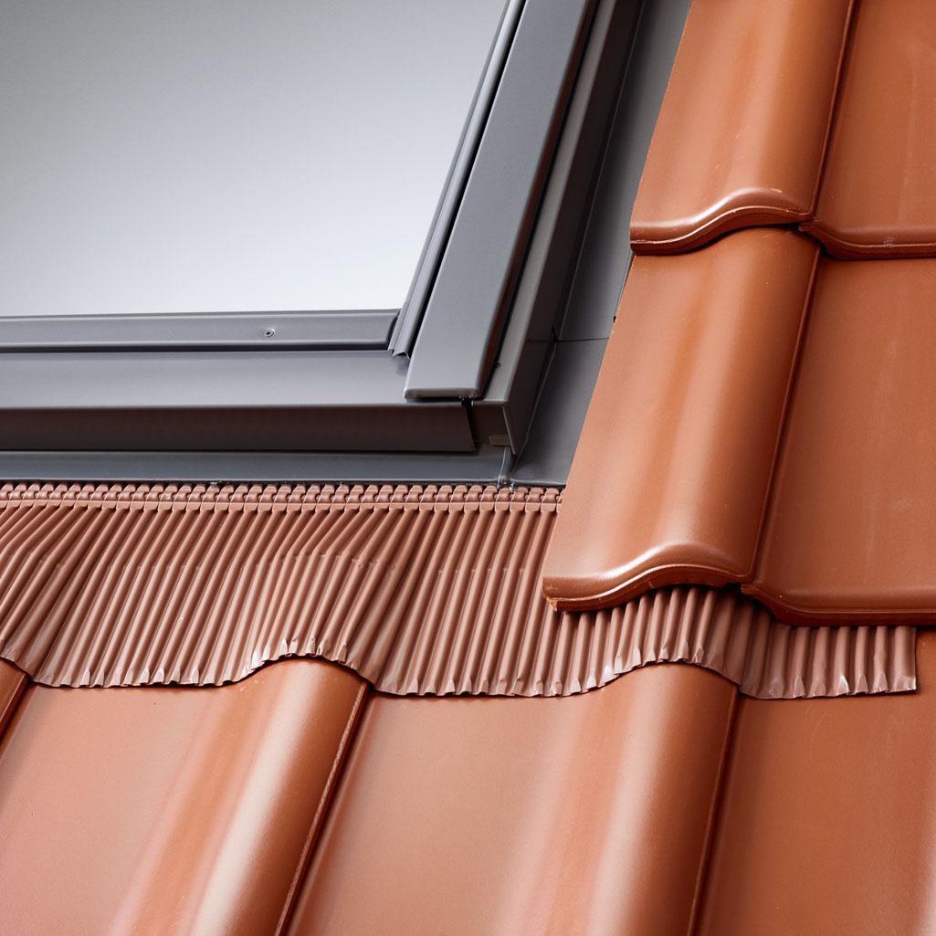 Raccord EDW pour fenêtre de toit CK02 55x78 cm - pose traditionnelle sur tuiles - gris anthracite