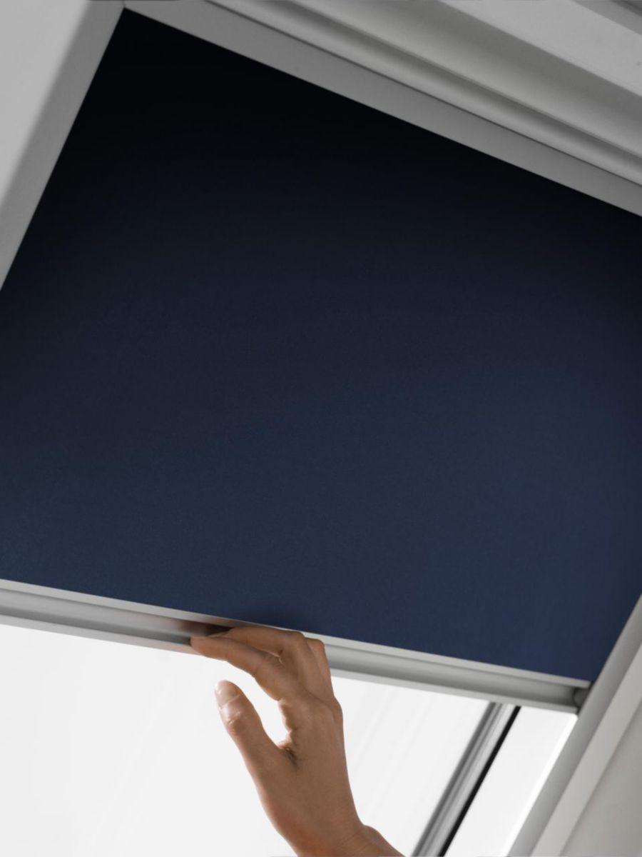 Store manuel d'occultation DKL pour fenêtre de toit M04 78x98 cm - beige